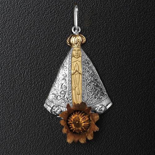 Pingente Nossa Senhora de Aparecida com a Rosa de Belém em Ouro 18K ... 32ed7a7575