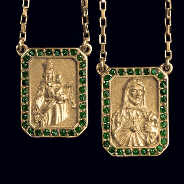 Artigos Religiosos voltar. Você está em  Artigos Religiosos . Escapulários  . Escapulário em ouro 18 k cravejado de Esmeraldas 7b6240d624