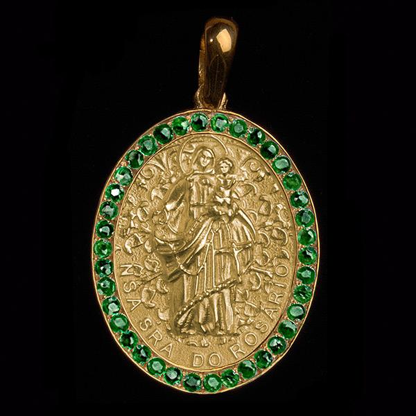 Medalha Nossa Senhora Rosário em ouro 18k cravejada Esmeraldas ... bc184d32a6